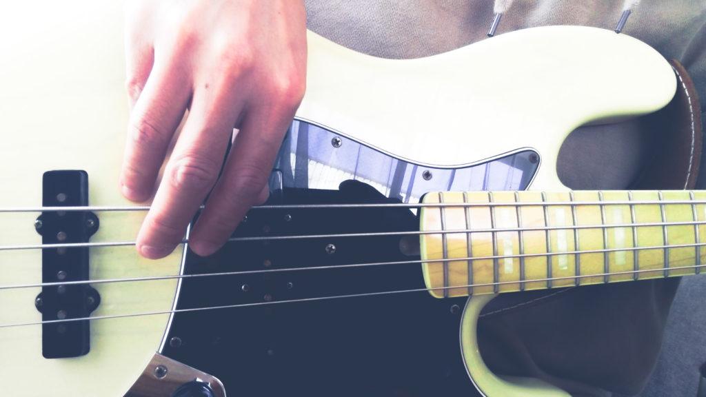 bass finger style